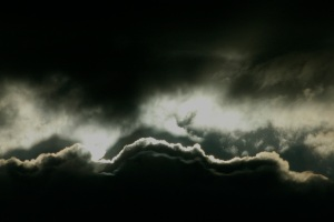 dark-cloud-1539729-1599x1066