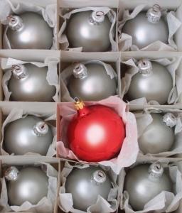 christmas-bulbs-1258956-639x750
