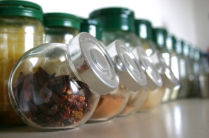spices-1477563-640x425